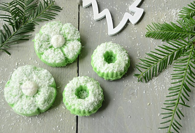 Putu Ayu koekjes, gestoomde pandankoekjes
