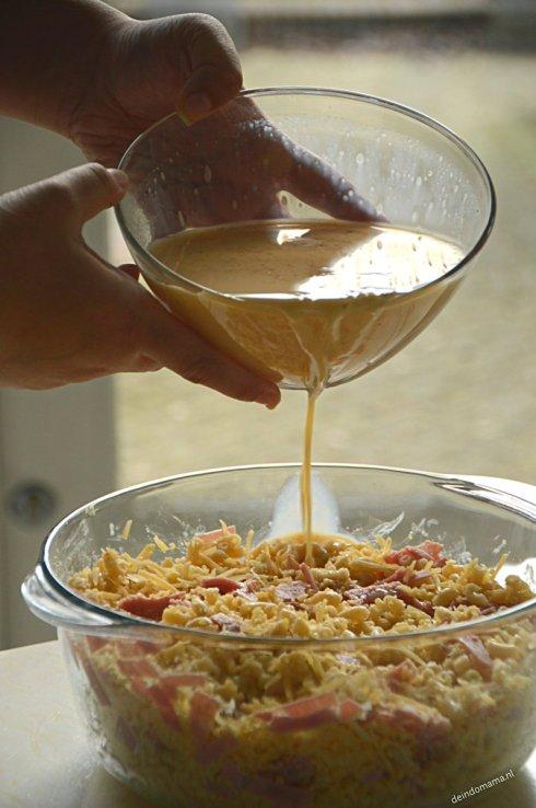 eimengsel- over- Indische- macaroni