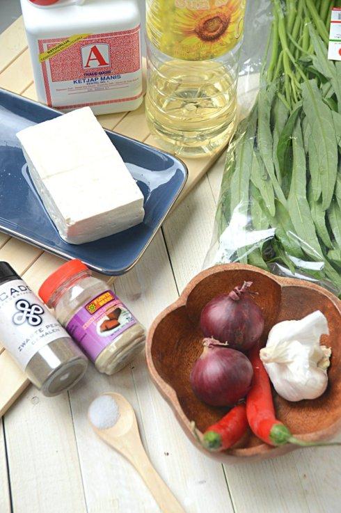 Ingrediënten- tumis- kangkung- met- tahu